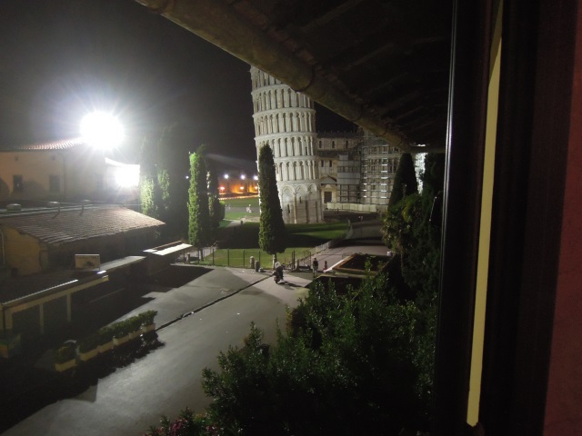 widok-z-okna-hotelu-piza